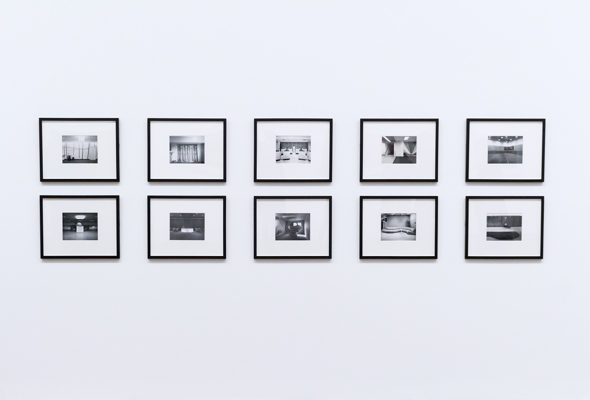How to Hang Art on the Walls: Basic Need-to-Knows